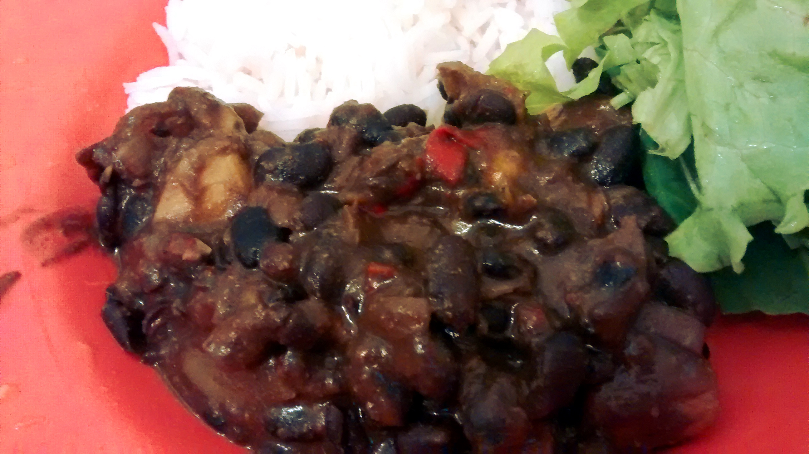 Curry de feijão preto e manga