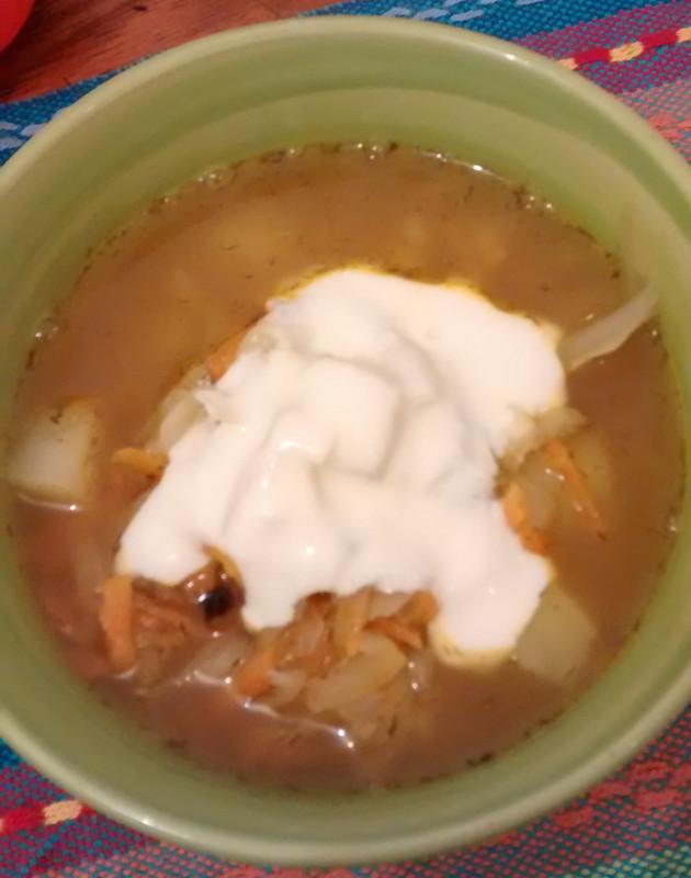 щи (xi) - sopa russa de legumes
